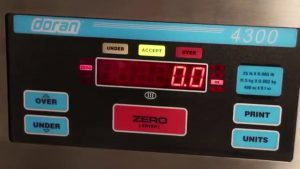 Doran 4300 Checkweigh Scale Video